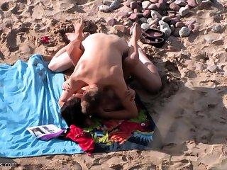 British amateur MILF sucks horseshit on Greek beach