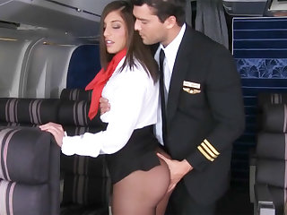 Pilot seduced stewardess to be hung up on in airplane