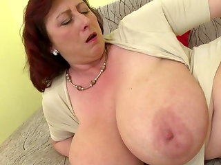 Mature brass hats mom with big tits and hungry cunt