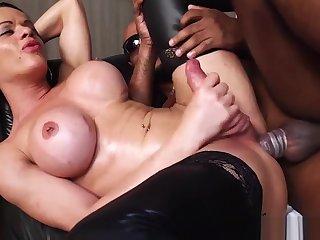 Broad in the beam boobs shemale Amanda Ferreira taking BBC bareback