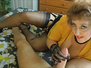Hot mommy plays with my energized pang dick