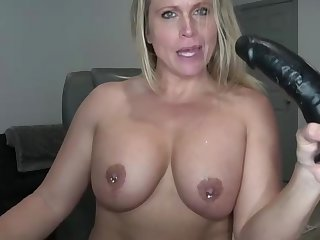 Blond milf use dildo and suck