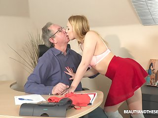 Private eye fresh and natural light haired harpy Rebecca Black is fucked at the end of one's tether older pervert