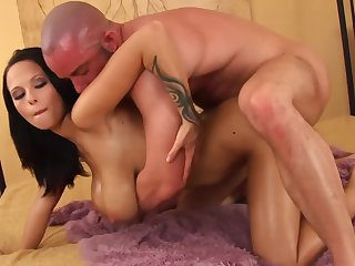 Intense nude porn with a busy babe who knows a lot