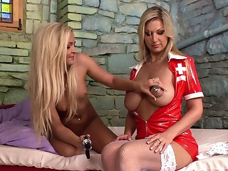 Kinky nurse Jenna Lovely stretches pussy be fitting of sexy babe Chant