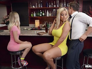Quickie fucking far a pub with clothed mature mommy Bridgette B