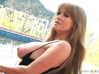 Video of amateur vide Darla Crane having sex with her horny lover