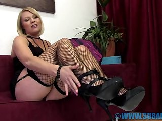 Blonde hottie Abigail Toyne moans while rubbing her miserly cunt