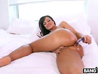 Lisa Ann's Ass Gets Anal Sex