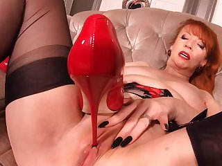 Hot busty MILF Red XXX is really fucking sizzling
