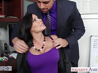 Handsome emploee Johnny helps Kendra Lust to relax check d cash in one's checks a hard working day