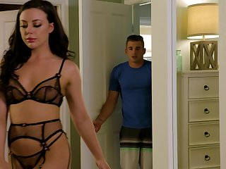 Naughty babe Whitney Wright in stockings and lingerie rides like a pro