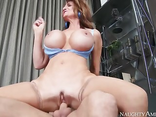 Fetching breasty MILF Deauxma in tempting sexy stockings