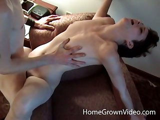 Petite amateur with snappish hair gets fucked in a hotel